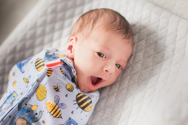 Jaki otulacz dla niemowlaka