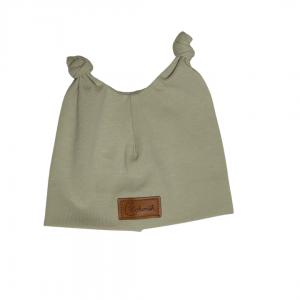 Beżowa czapeczka dla noworodka z uszkami | Kokonik.com